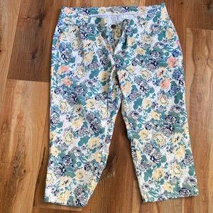 AE Sport Floral Capri spring summer pants